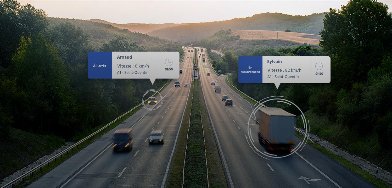 Trois camions circulants sur une autoroute
